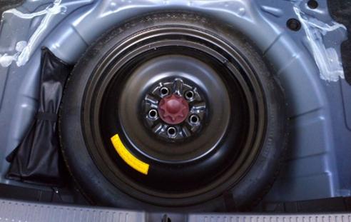 RAV4 スペアタイヤ